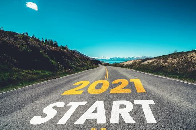 2021 새해 여행 여행 및 미래 비전 개념.