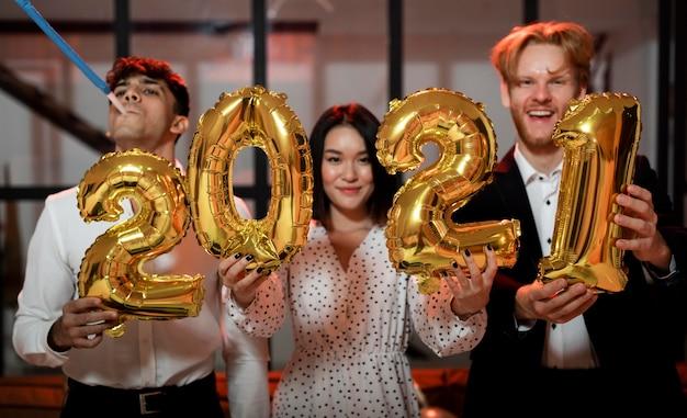 Воздушные шары в канун нового года 2021