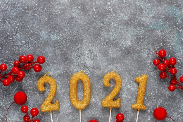 2021 год из свечей. концепция празднования нового года.