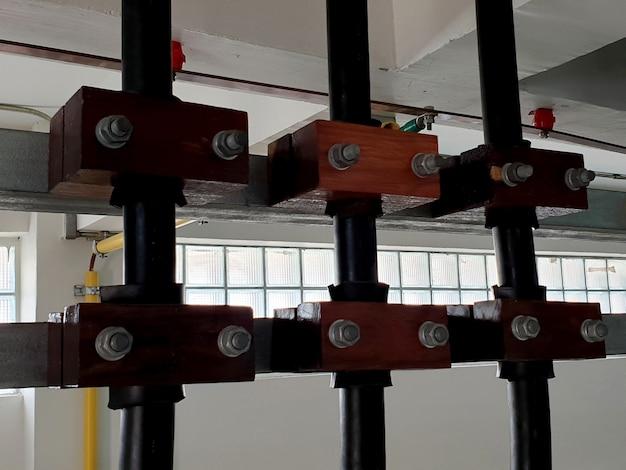 変電所のケーブルルームへの22kv電力ケーブルの設置
