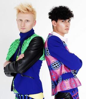 2つのファッションモデル