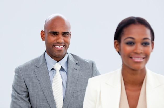 2人の民族のビジネスマンの肖像