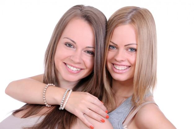 2人の美しい姉妹