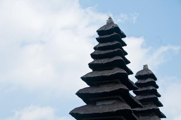 タマン・アユンバリの神殿の2つの塔