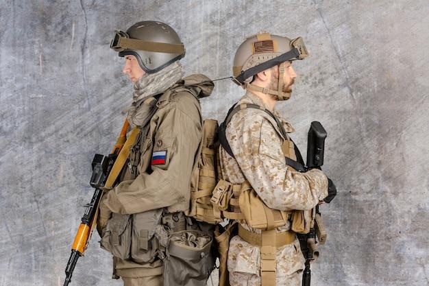 2人の特殊部隊の兵士