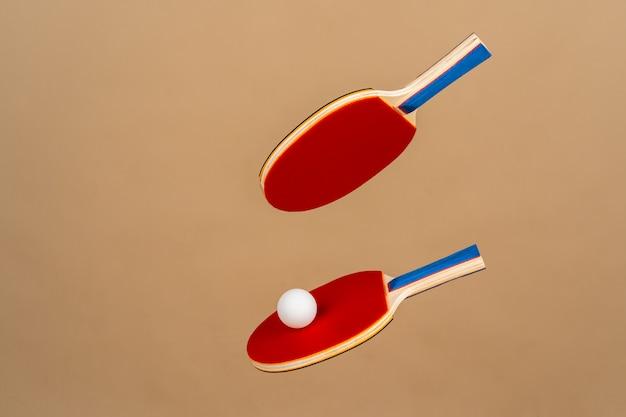 2つの卓球ラケット