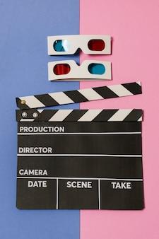 フラットレイアウトの映画スレートと3 dメガネ