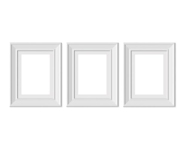 3 x 4縦長の写真フレームを3つ設定します。 3dレンダリング。