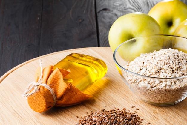 健康的な食事の亜麻仁亜麻仁油オメガ3食品