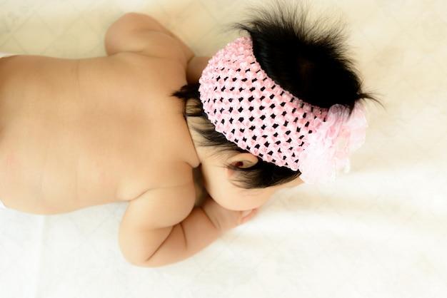 生後3ヶ月のアジアの赤ちゃん