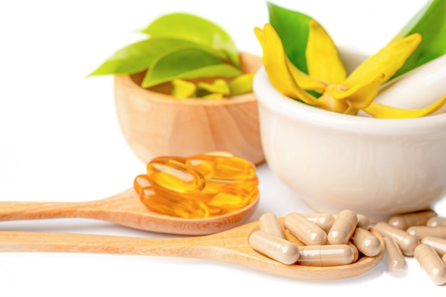 Альтернативная медицина растительные органические капсулы с витамином е омега-3 рыбий жир, минеральные, препарат с травами листьев.