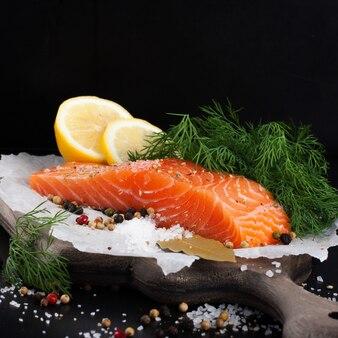 オメガ3オイルが豊富な美味しいサケの切り身