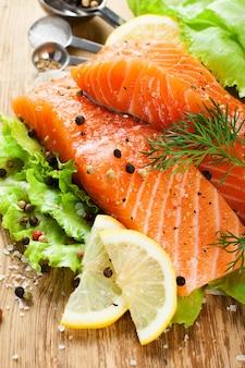 Вкусное филе лосося, богатое маслом омега-3