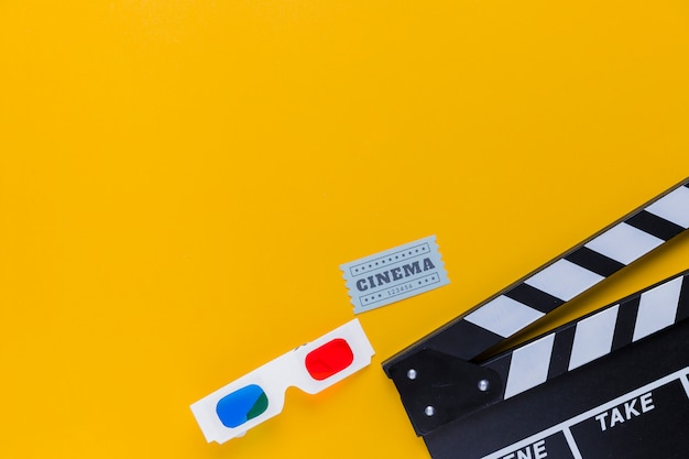 3d glasses with clapperboard