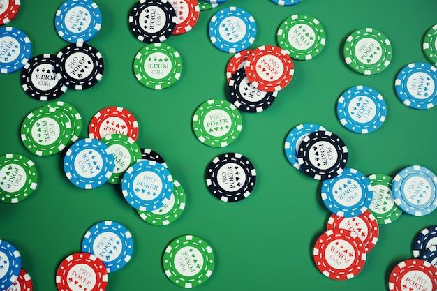 緑のテーブルでチップ、カード、カジノゲームのお金を遊んで3 dイラスト。リアルまたはオンラインのカジノのコンセプト。