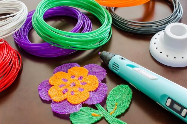 3d pen and kit colored plastic for 3d pen