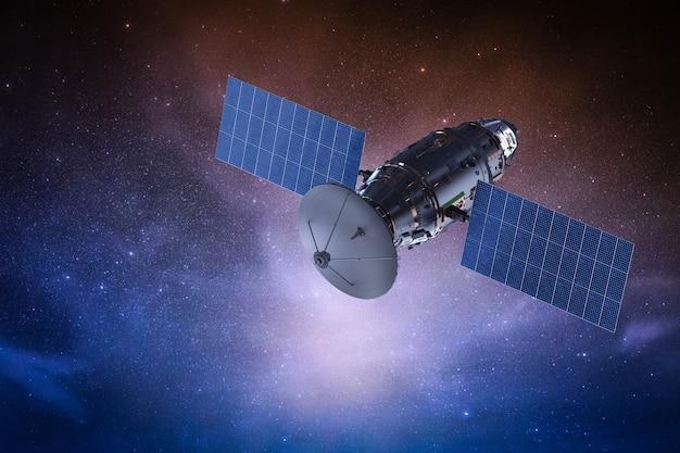 3d-рендеринг спутниковой тарелки с антенной в космическом пространстве