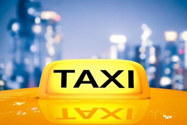 택시 모자에 3d 렌더링 노란색 택시 기호