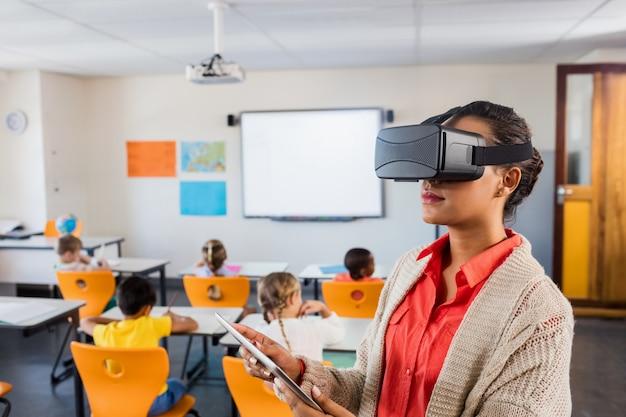 3dメガネを使用する教師