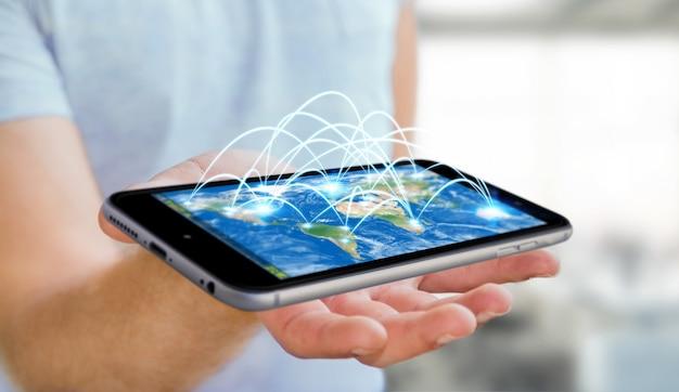 Бизнесмен держа мобильный телефон с переводом интернет-связи 3d