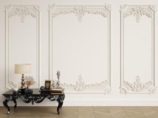 Классический резной стол с декором в классическом интерьере с копией пространства 3d рендеринга