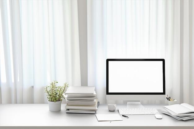 Вид спереди рабочей площадки с пустым белым экраном компьютера, чашкой кофе и книгой на дому. макет, 3d-иллюстрации