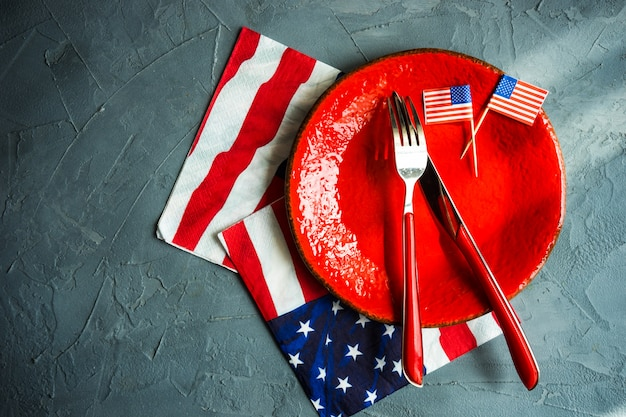 4 july table setting