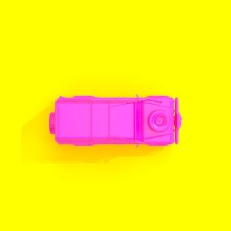 黄色の背景にフクシア4 x 4オフロード車。
