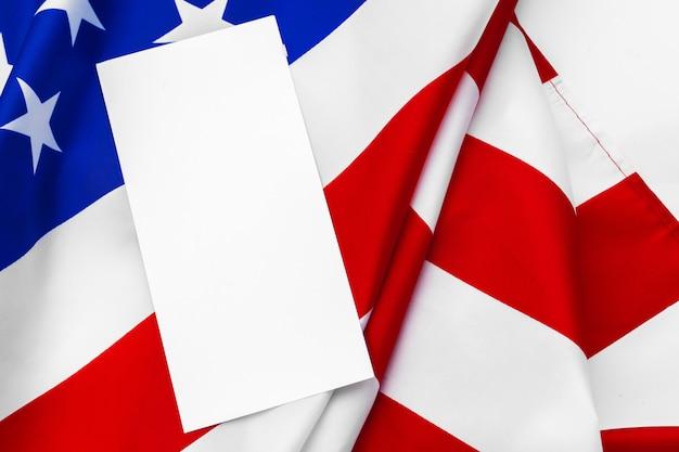 4 июля, макет пустой открытки с американским флагом, с днем независимости сша