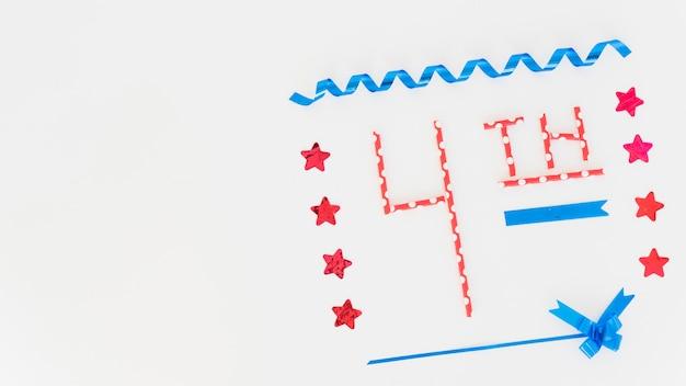 Надпись 4-й и праздничный дизайн ко дню независимости