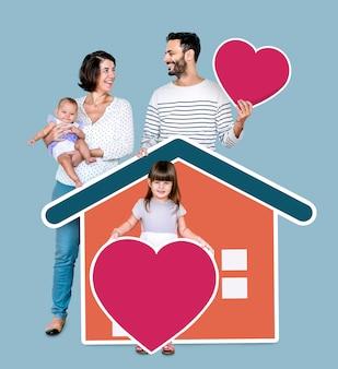 愛する家庭の4人の家族