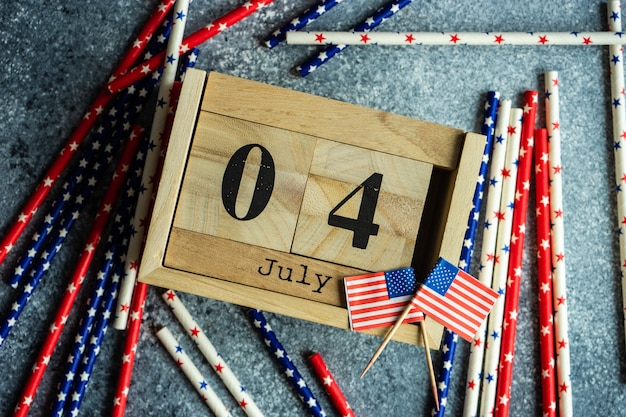 4th of july wooden blocked calendar and american printed dishware