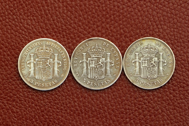 5つのペセータスペインの古い硬貨alfonso xii carlos iii