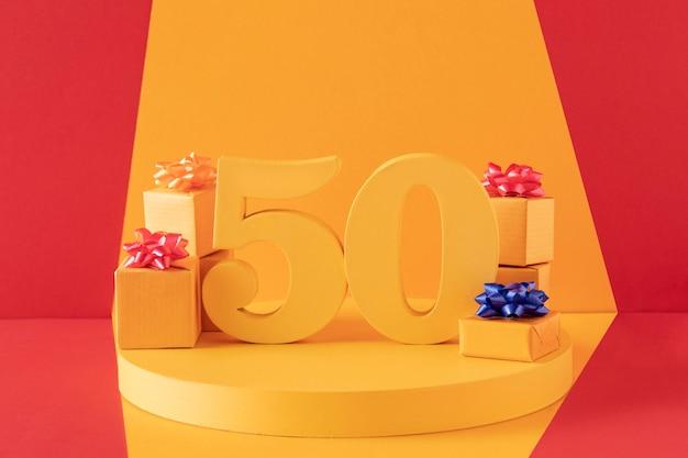 お祝いの装飾が施された50歳の誕生日のアレンジメント