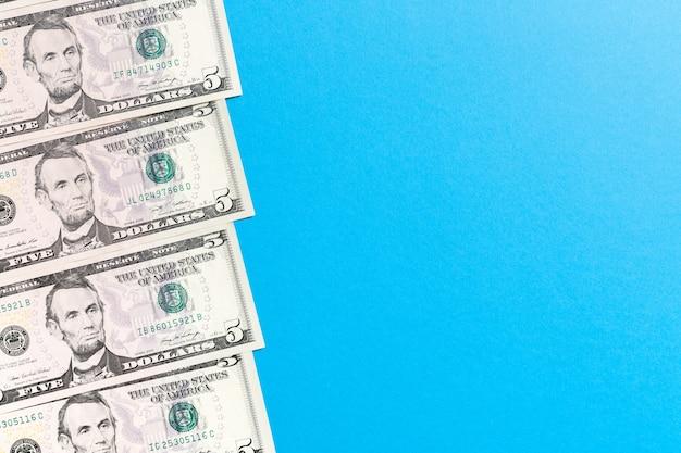 5ドル紙幣のトップビュー