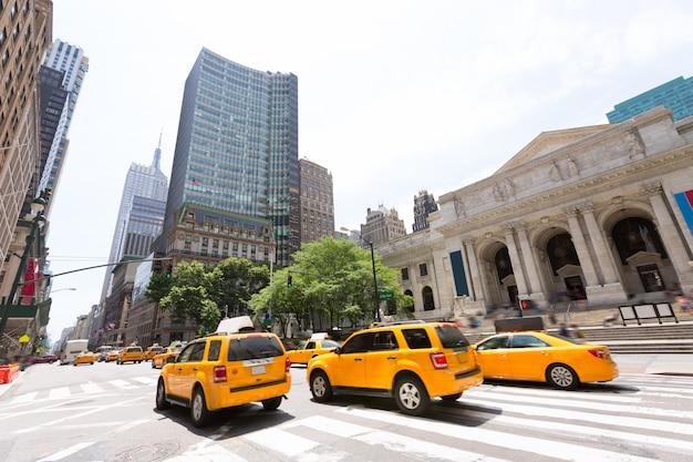 ニューヨークマンハッタン公共図書館5番街