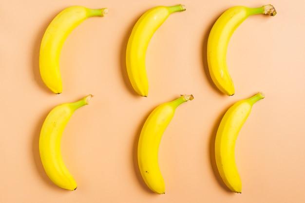 6のバナナの背景
