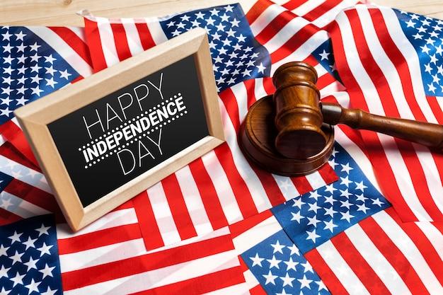 7月4日のアメリカ国旗の幸せ
