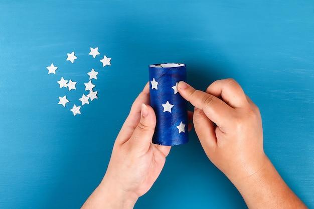 7月のトイレットスリーブとクレープ紙の色diy吹流し第4回アメリカ国旗