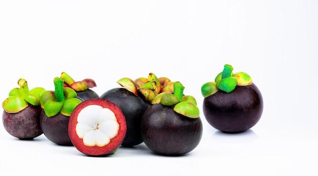 7 целых фиолетовых мангустинов и еще одно поперечное сечение