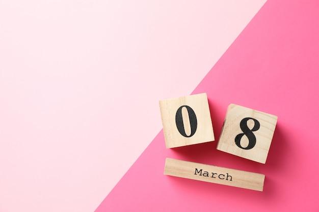 8 марта деревянный календарь на два тона, место для текста