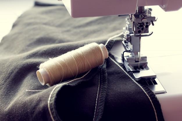 Цепной стежок на ткани