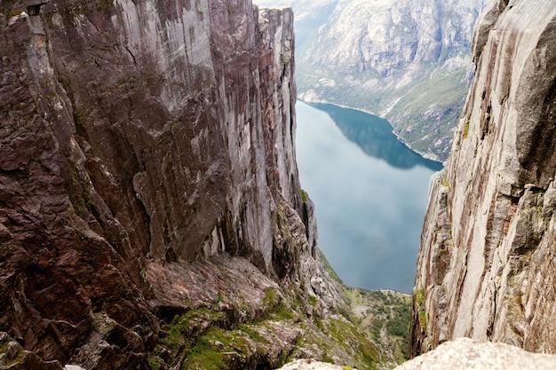 ノルウェーのフィヨルドの眺め