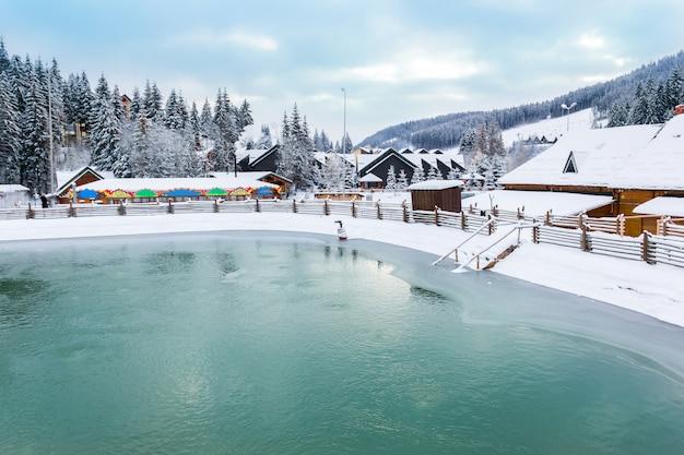 冬のプール