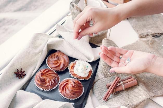 Украшение кексов