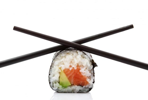 Японские суши с палочками для еды