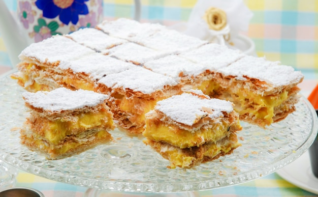 古典的なナポレオンまたはミルフィーユケーキ