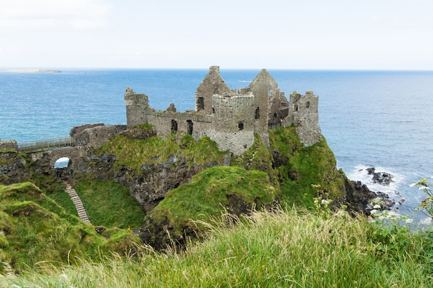 北アイルランド、ダンルース城の風景