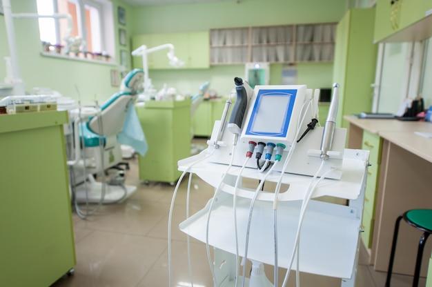 近代的な歯科医院