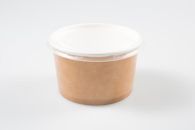 Коричневая картонная коробка для еды на вынос